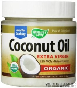 coconut oil has a TON of uses, bus this post specifically talks about it as a way to clear up your skin | winstead wandering
