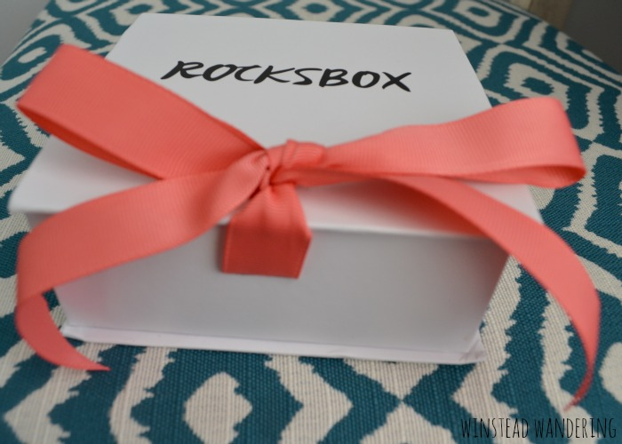 Have you heard of Rocksbox? Have you considered trying this jewelry rental service? I had no idea what to expect when I signed up, so in an effort to answer the questions others might have, I'm sharing my completely honest Rocksbox review.