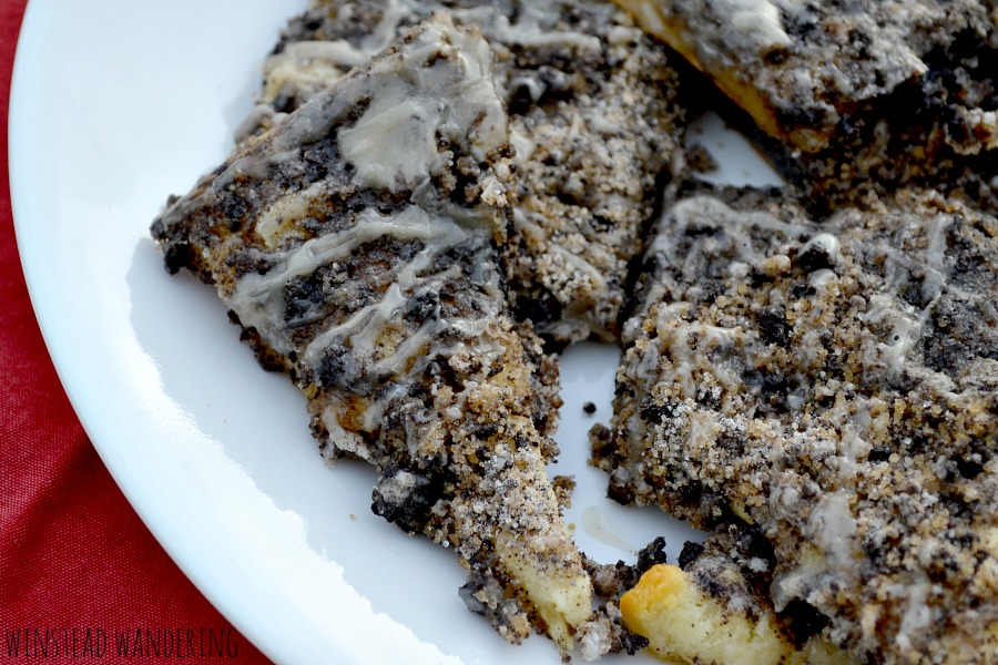 Made with store bought crescent roll dough, crushed Oreo triangles are as rich and indulgent as they are quick and easy to make.